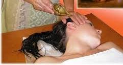 Карна пурана (очищення слухових проходів) і масаж карна-марми.